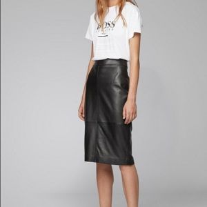 Hugo Boss lambskin leather skirt. S. Never worn.
